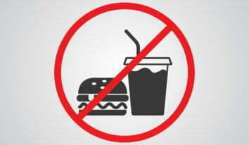 Proibir entrada com alimentos comprados em outro local é abusivo